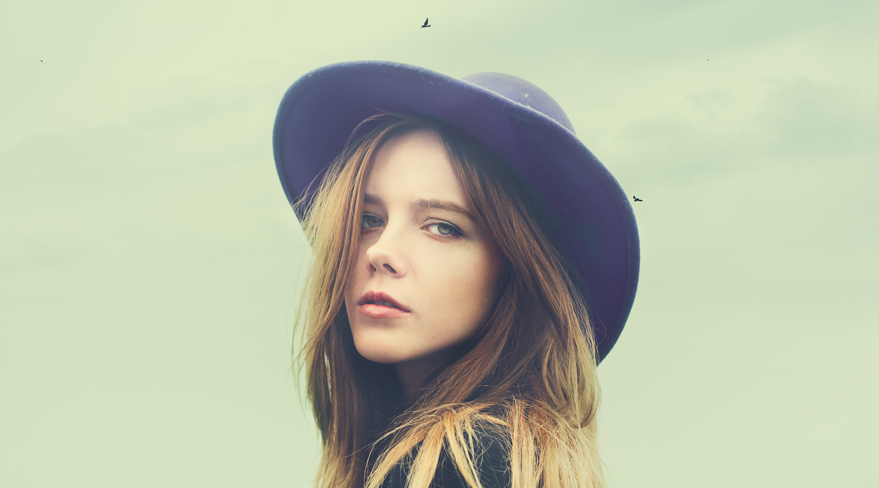 lady-in-hat